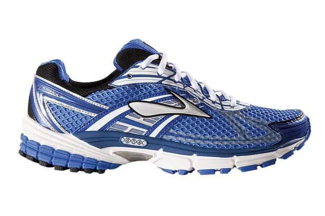 open running shoe store, image of running shoe.